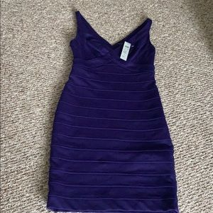 Cache dress never worn. Thick stretchy material